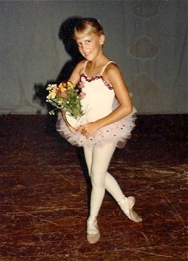 During elementary school, I loved ballet.